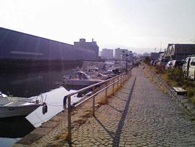 静かな小樽運河