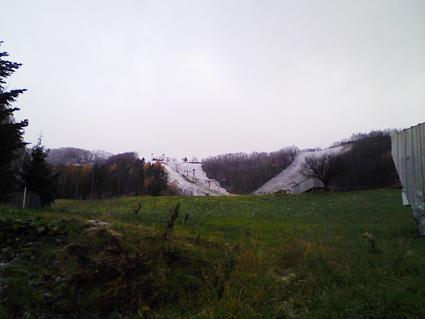 朝里スキー場の雪風景