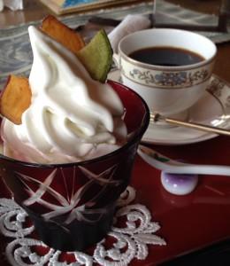 ソフトクリームと珈琲セット