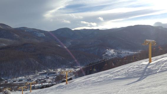 快晴の小樽朝里川温泉スキー場