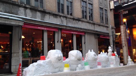 December3横の雪像