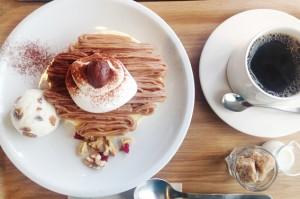 モンブランとラムレーズンアイスのパンケーキ