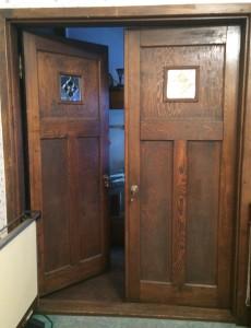 ステンドグラス付きドア