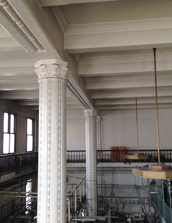 柱の装飾が独特です