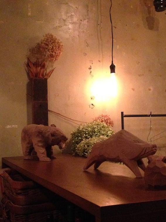 インテリアに木彫りの熊