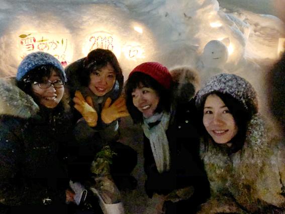 小樽雪あかりの路を楽しむ美女四天王