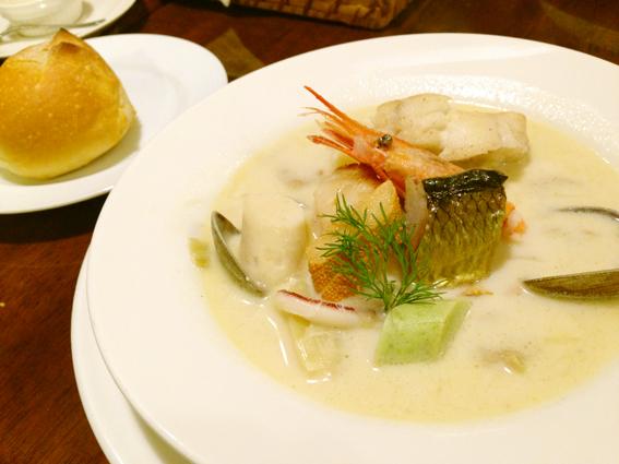 フランス・ブルターニュ地方の郷土料理のコトリアード