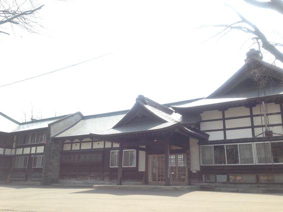 道内最大規模の木造建築の社務所
