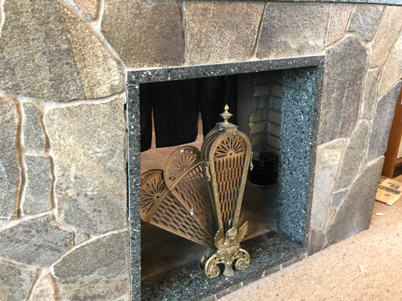 立派な暖炉