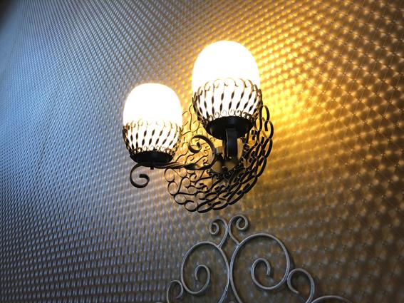 レトロな玄関の照明