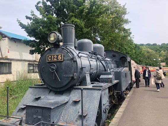 蒸気機関車がお出迎え
