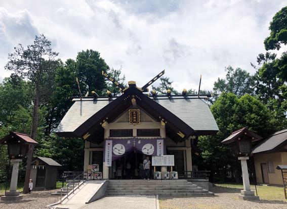 神明造りの社殿
