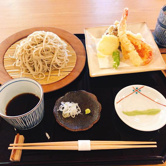 天ぷらそばをいただきました
