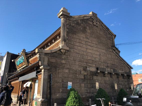 約築90年の石造り建築