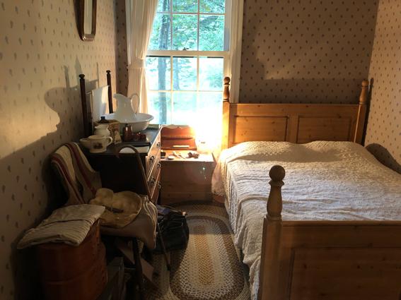 グリーンゲイブルスのマシュウの部屋だったかな?