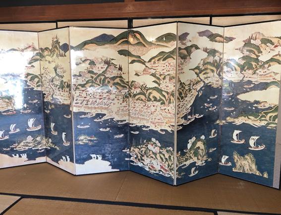 鰊漁と北前船によって栄えていた様子が描かれた屏風