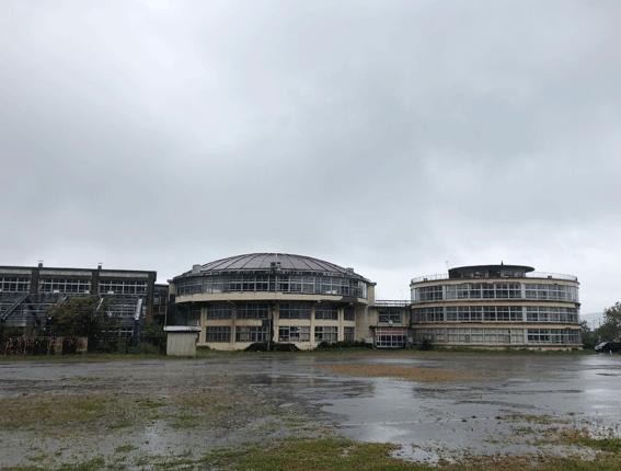 旧絵鞆小学校 グラウンド側から 撮影:190923