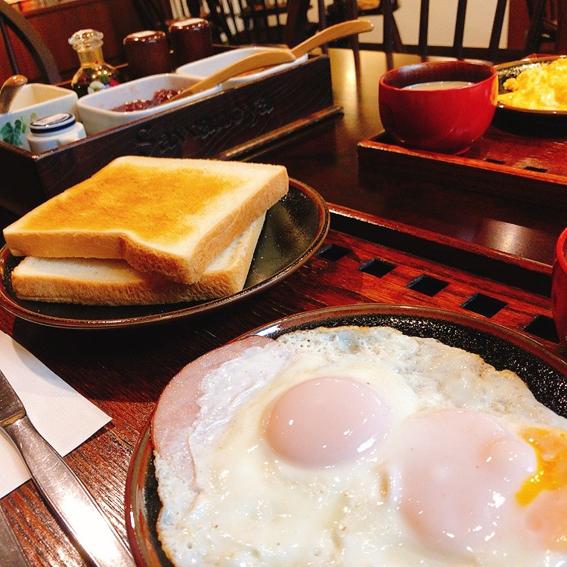 1日目朝食 ハムエッグ