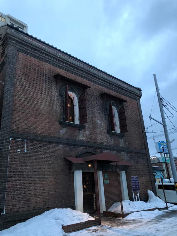 会場は元海猫屋の煉瓦倉庫