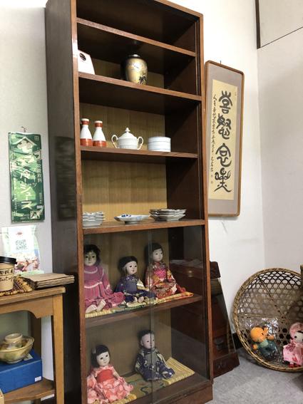 日本人形、食器、額など様々