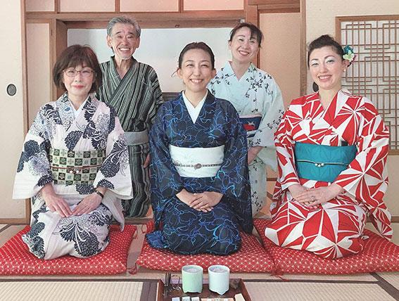 和日咲美研究会のメンバーにて