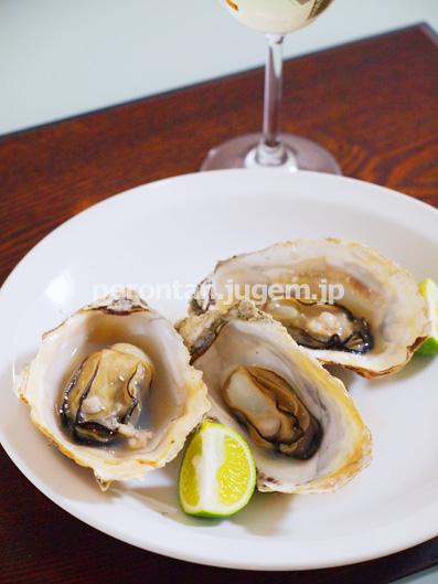 厚岸町の「カキえもん」で焼き牡蛎を♪