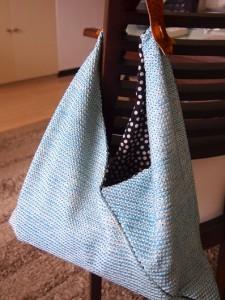 和服をほどいた布で作りました