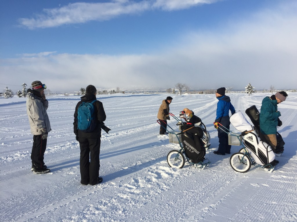雪中ゴルフ01