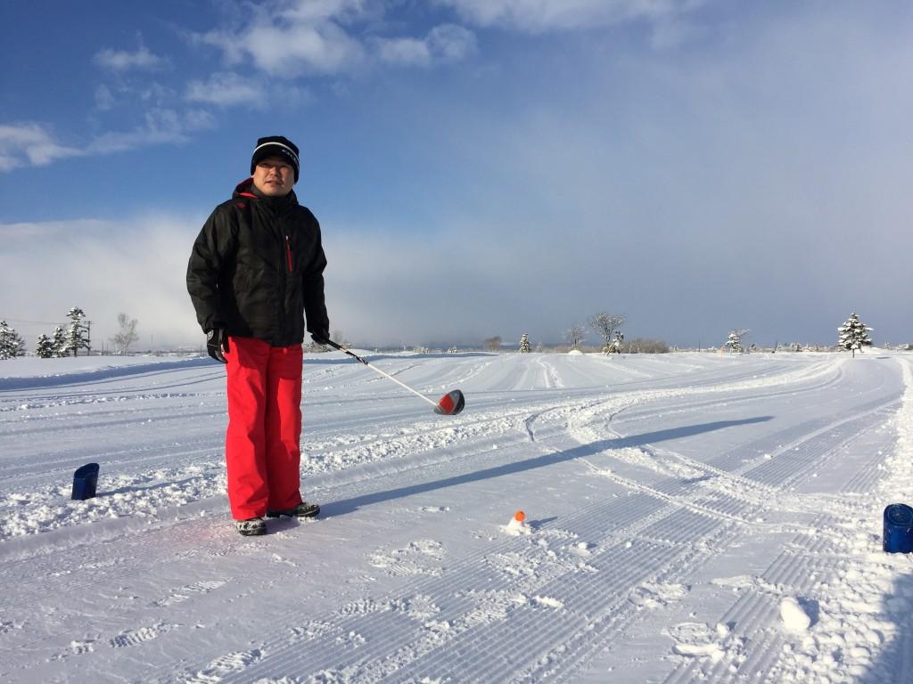 雪中ゴルフ03